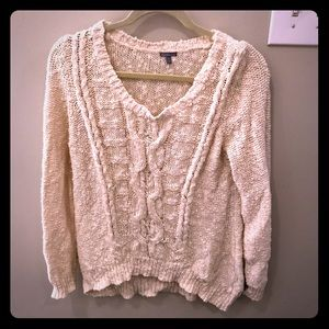 Big extra comfy sweater!! Great quality!